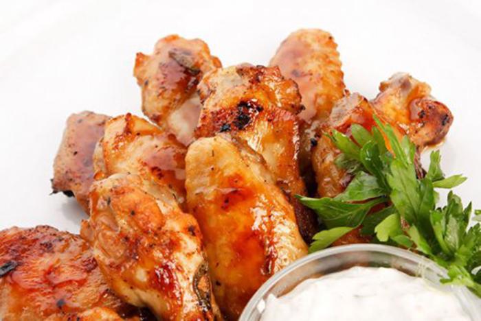 Alitas de Pollo con Salsa de Tomate