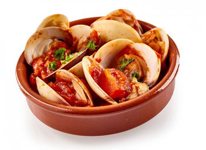 Almejas en Salsa de Tomate Picante