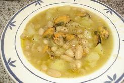 Alubias, patatas y mejillones