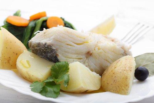 Bacalao Cocido con Verdura y Patatas