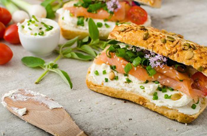 Baguette de Queso Crema y Salmón
