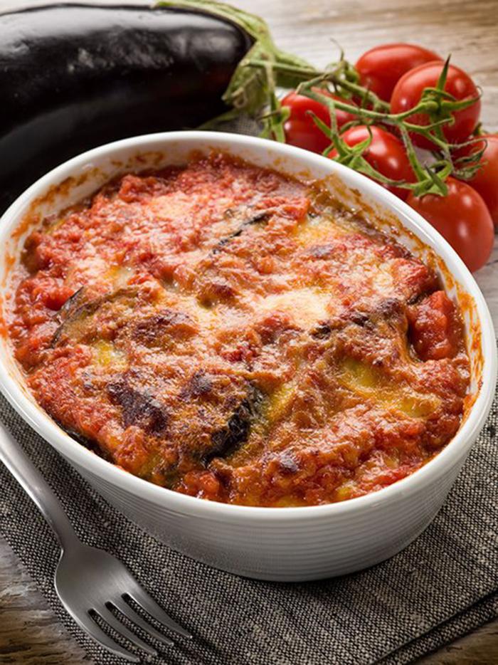 Berenjenas con Tomate y Mozzarella