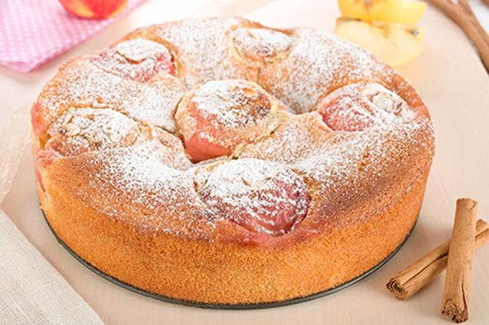 Bizcocho con manzanas enteras receta for Cocinas enteras