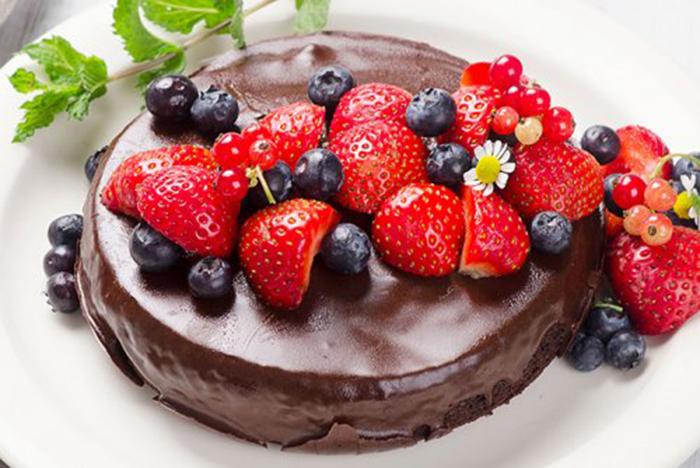 Bizcocho de Chocolate con Frutos del Bosque
