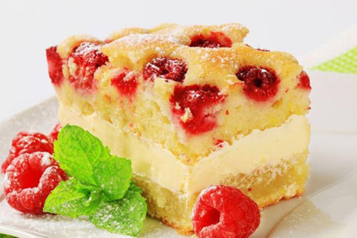 Bizcocho de Frambuesas con Crema Pastelera