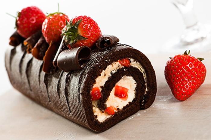 Brazo de Gitano de Chocolate, Fresas y Nata