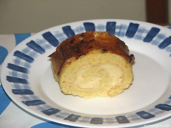 Brazo de Yema Tostada Relleno de Crema Pastelera (Thermomix).
