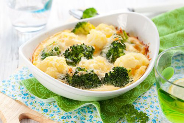 Brócoli y Coliflor Gratinados con Queso