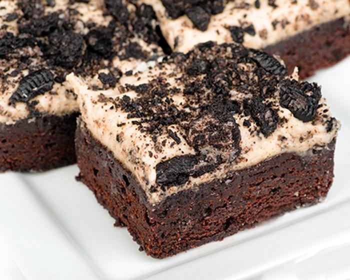 Brownie con Crema de Oreo