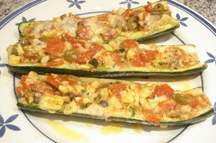 Calabacines al horno con tomate y mozzarella