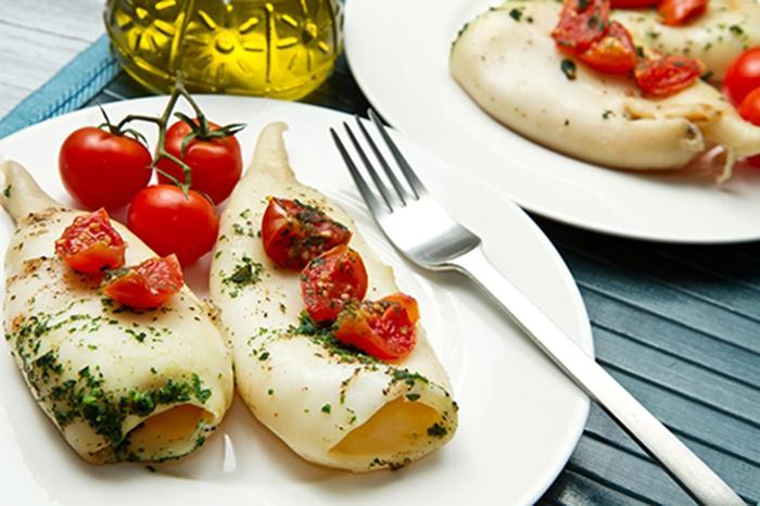 Calamares al Horno con Tomates
