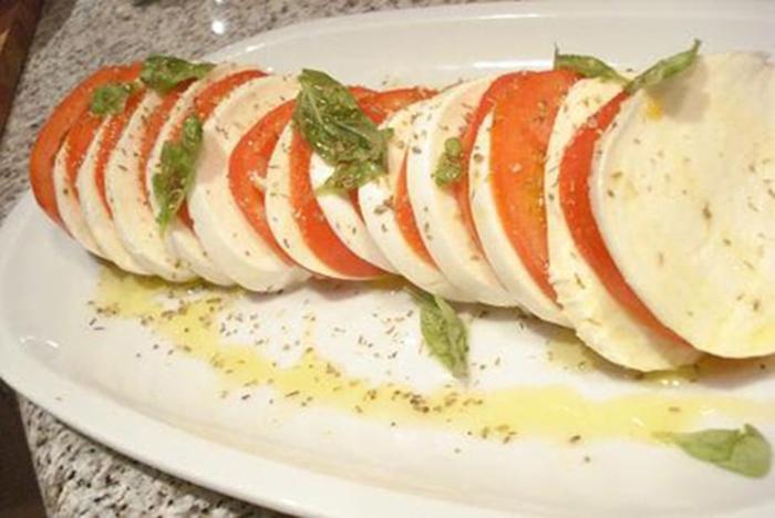 Caprese (Tomate y mozzarella)