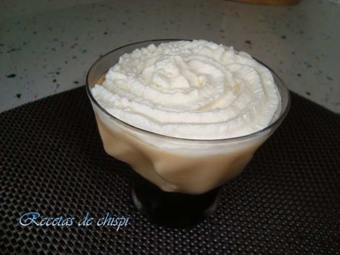 Crema de caramelo con nata