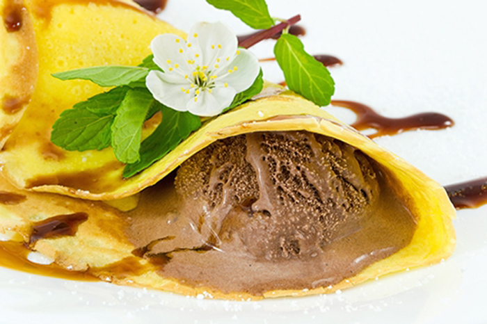 Crepes con Helado de Chocolate