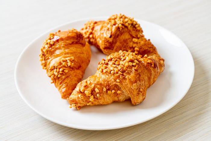 Croissant con Cacahuetes