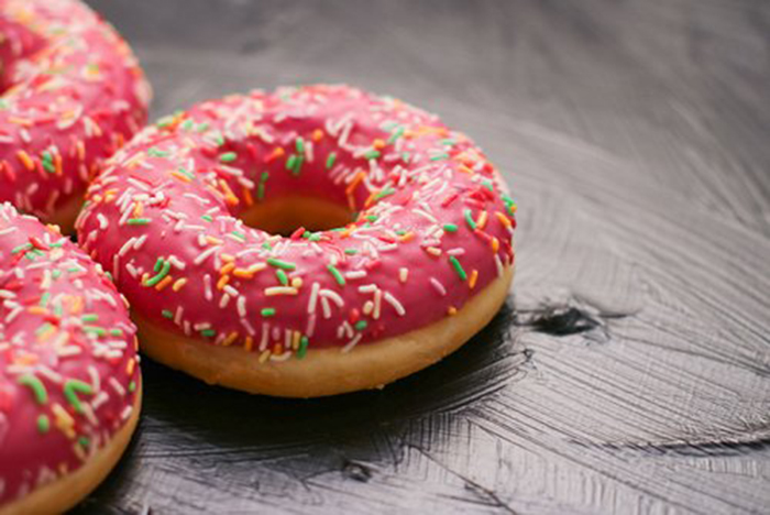 Donut con Glaseado de Fresa