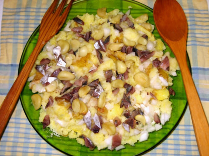 Ensalada de cebollas y patatas