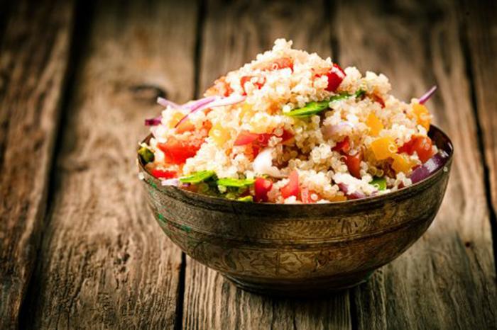 Ensalada de Quinoa, Pimientos y Tomate