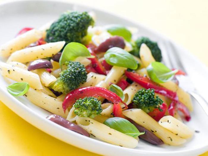 Ensalada Fría con Pasta y Brócoli