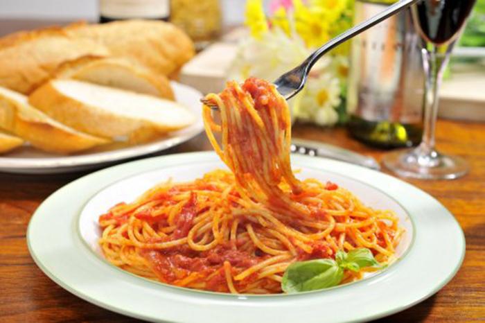 Espagueti en Salsa de Tomate Casera