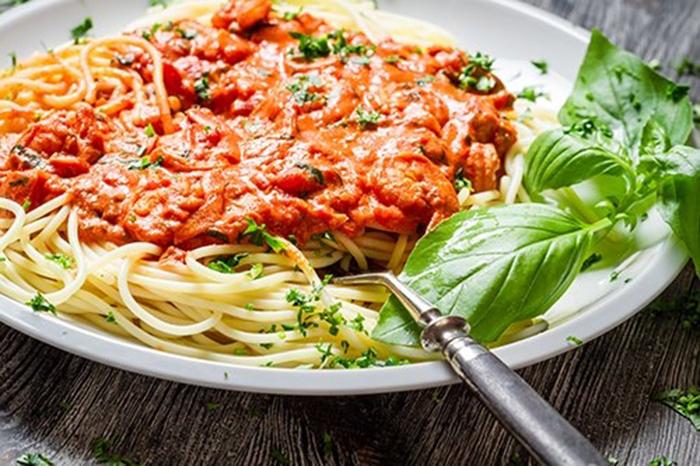 Espaguetis a la Boloñesa con Langostinos
