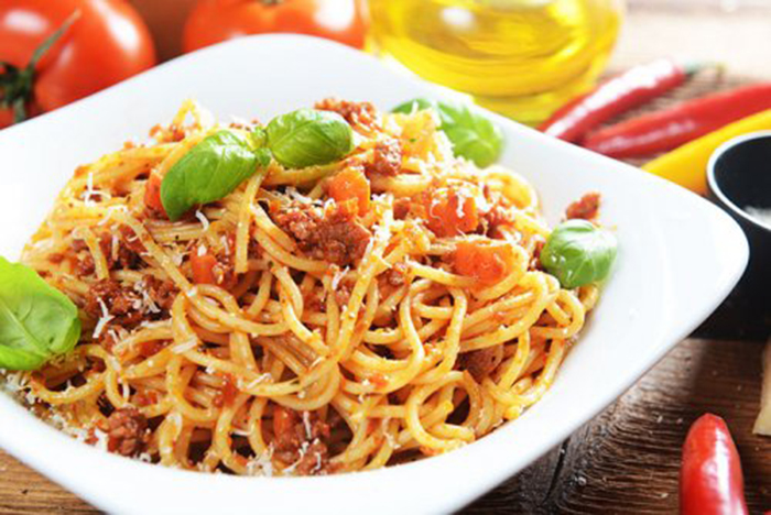 Espaguetis a la Boloñesa Picantes