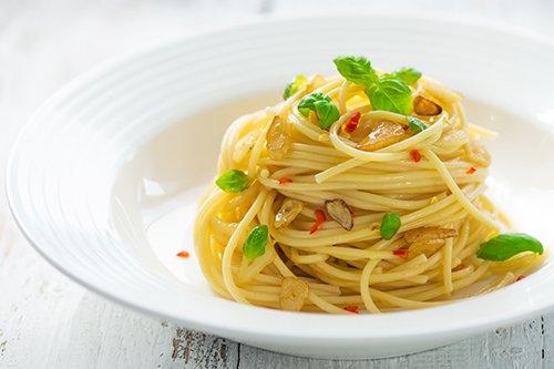 Espaguetis al Peperoncino