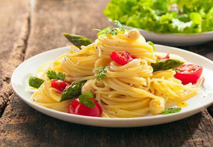 Espaguetis con Espárragos Trigueros