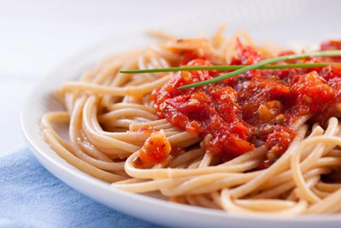 Espaguetis con Tomate Natural
