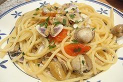 Espaguetis coquinas y berberechos (Italia)