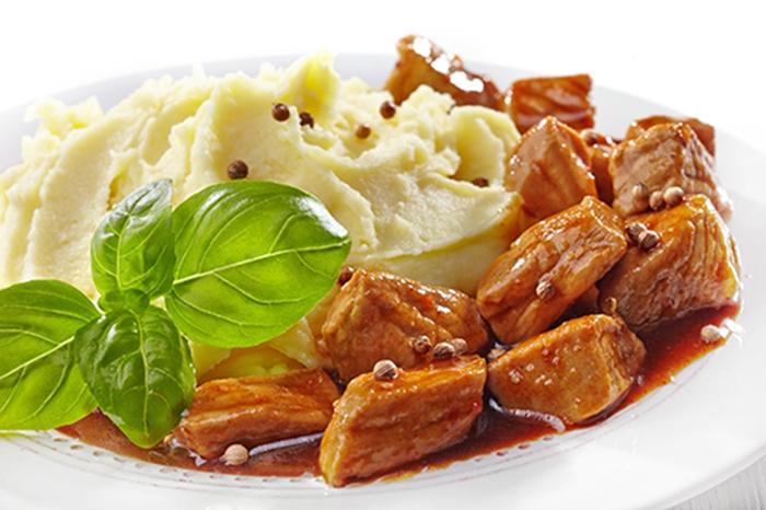 Estofado de Carne con Puré de Patatas