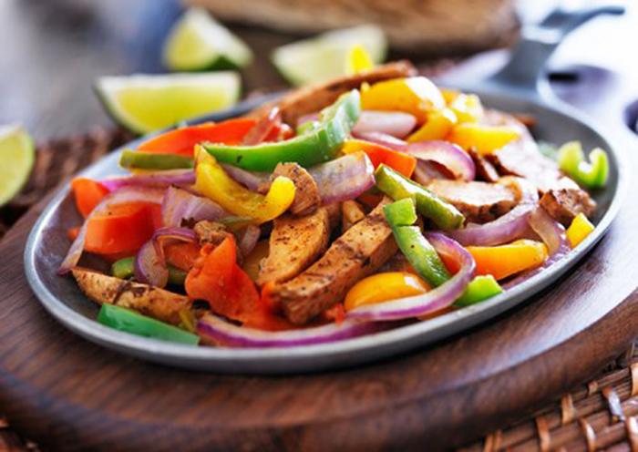 Fajitas con Pollo y Verduras