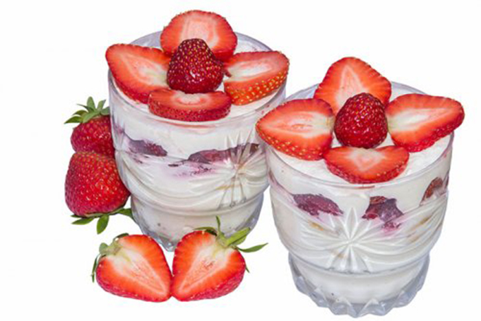 Fresas con Nata en Vasito