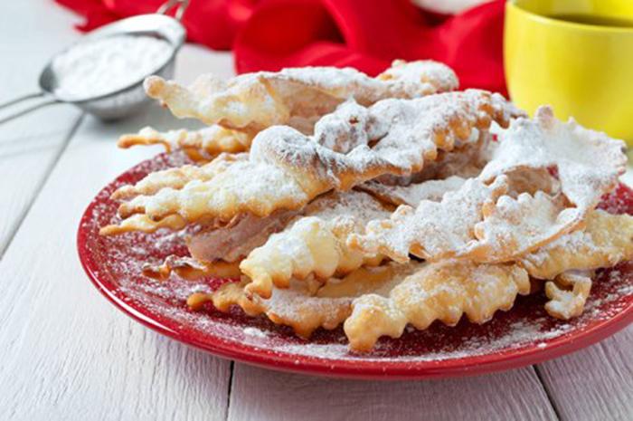 Galletas Fritas con Azúcar Glas