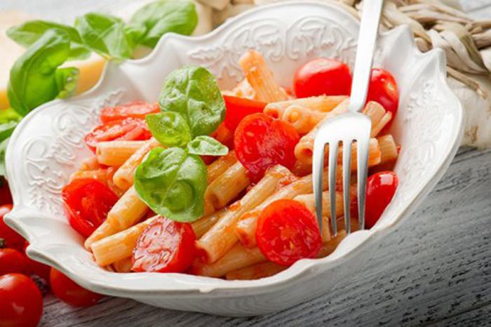 Macarrones con tomate cherry