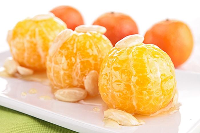 Mandarinas con Miel y Almendras