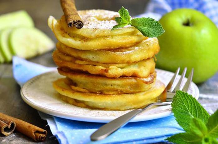 Manzana Frita con Canela