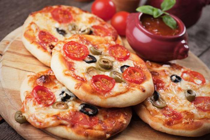Minipizzas Mediterráneas