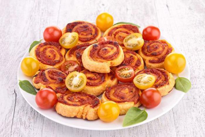 Molinetes de Tomate, Atún y Queso