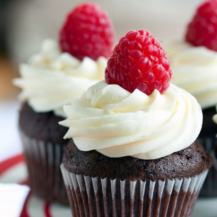 Muffin de Chocolate con Nata y Frambuesa