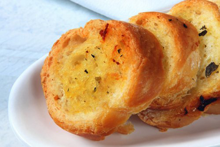 Pan de Ajo al Horno