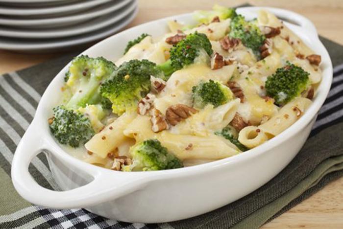 Pasta con Brócoli, Queso y Nueces
