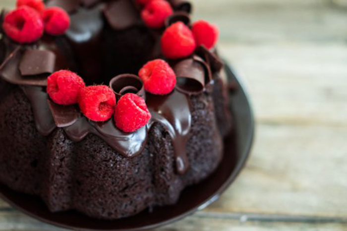 Pastel de Chocolate Negro y Frambuesas