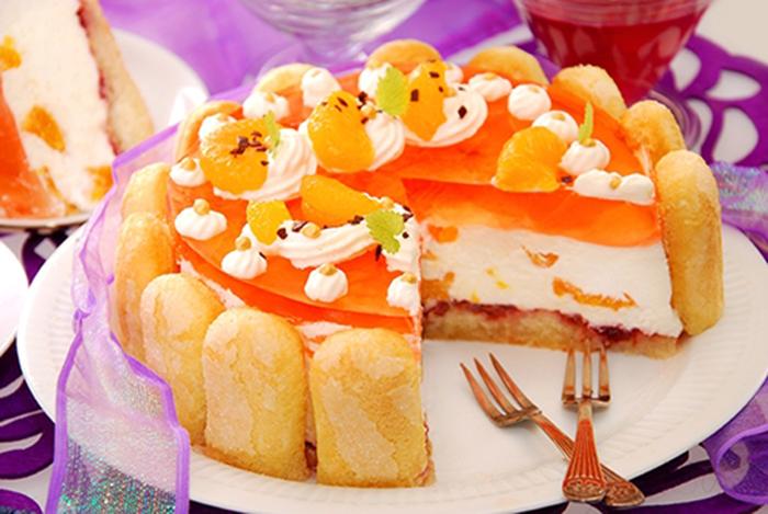 Pastel de Crema Batida y Gelatina de Naranja