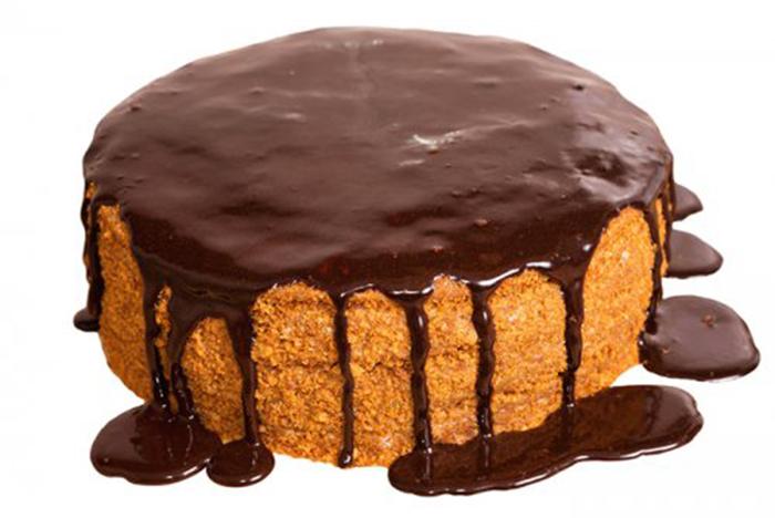 Pastel de Zanahoria con Cobertura de Chocolate