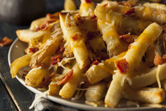 Patatas Fritas con Bacon y Queso