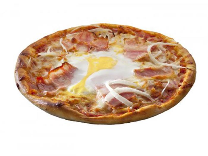 Pizza con Huevo, Bacon y Cebolla
