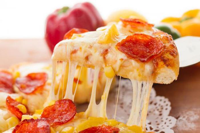 Pizza con Salchichas