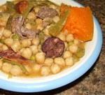 Puchero de Garbanzos Colorado.
