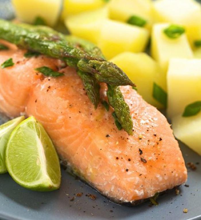 Salmon con Patatas Panadera